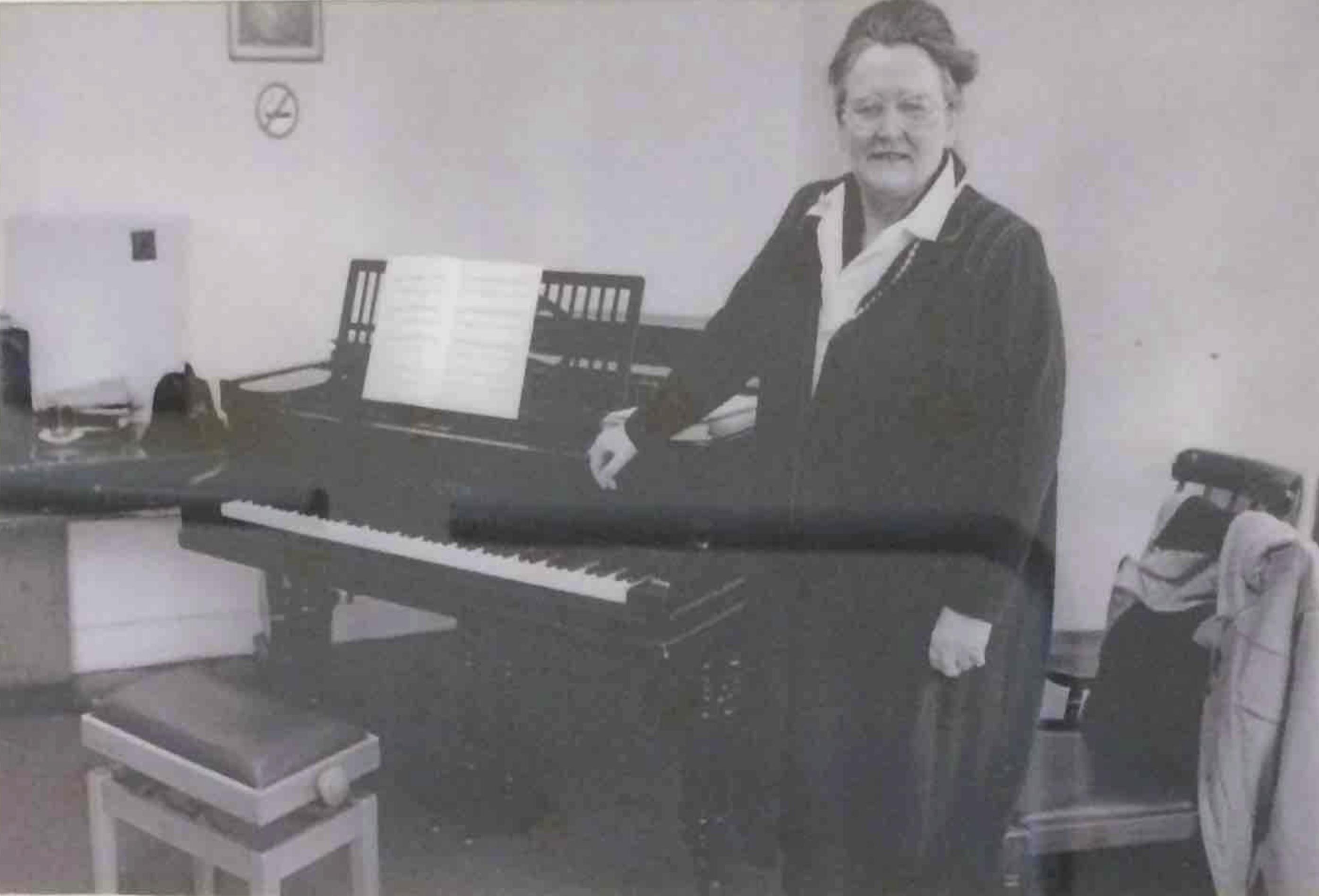Daphne Bell 1