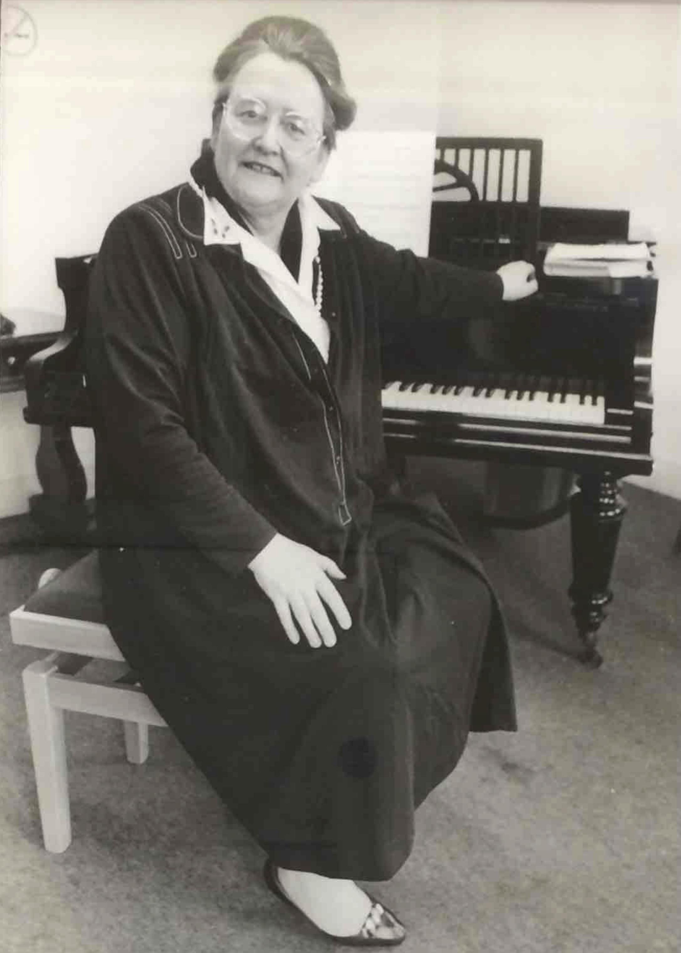 Daphne Bell 2